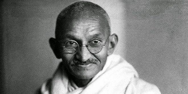 comedonchisciotte-controinformazione-alternativa-01-mahatma-gandhi-660x330.jpg