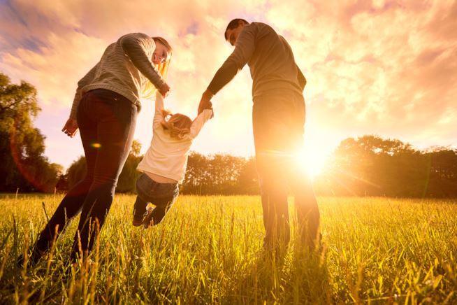 Sono i bambini a scegliere i propri genitori prima della nascita